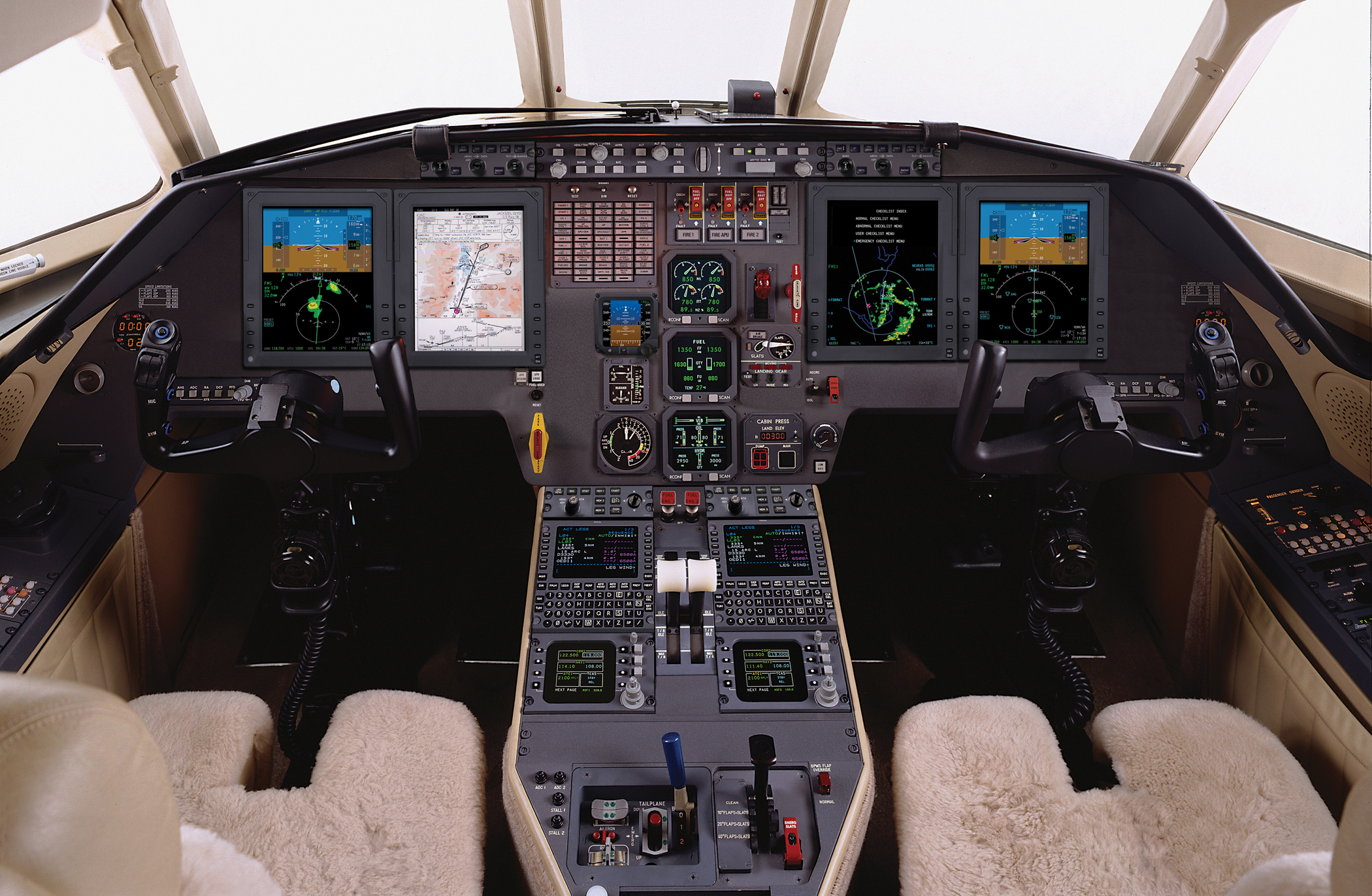 By upgrading to Pro Line 21™, Falcon 2000/2000EX operators gain situational  awareness and extend the life and value of their aircraft.
