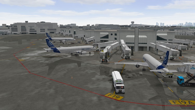 TRU Simulation + Training airplanes at airport