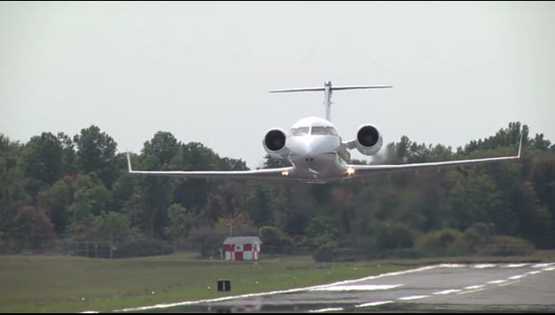 Challenger 604 take off