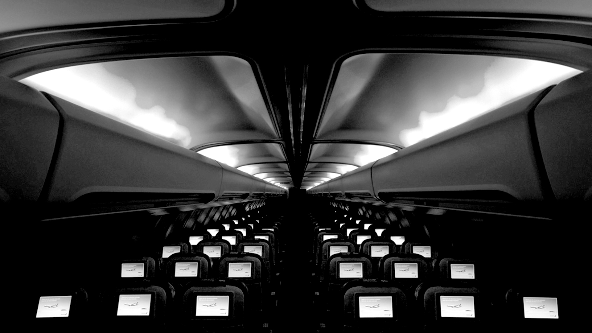 An aircraft cabin lighting scheme