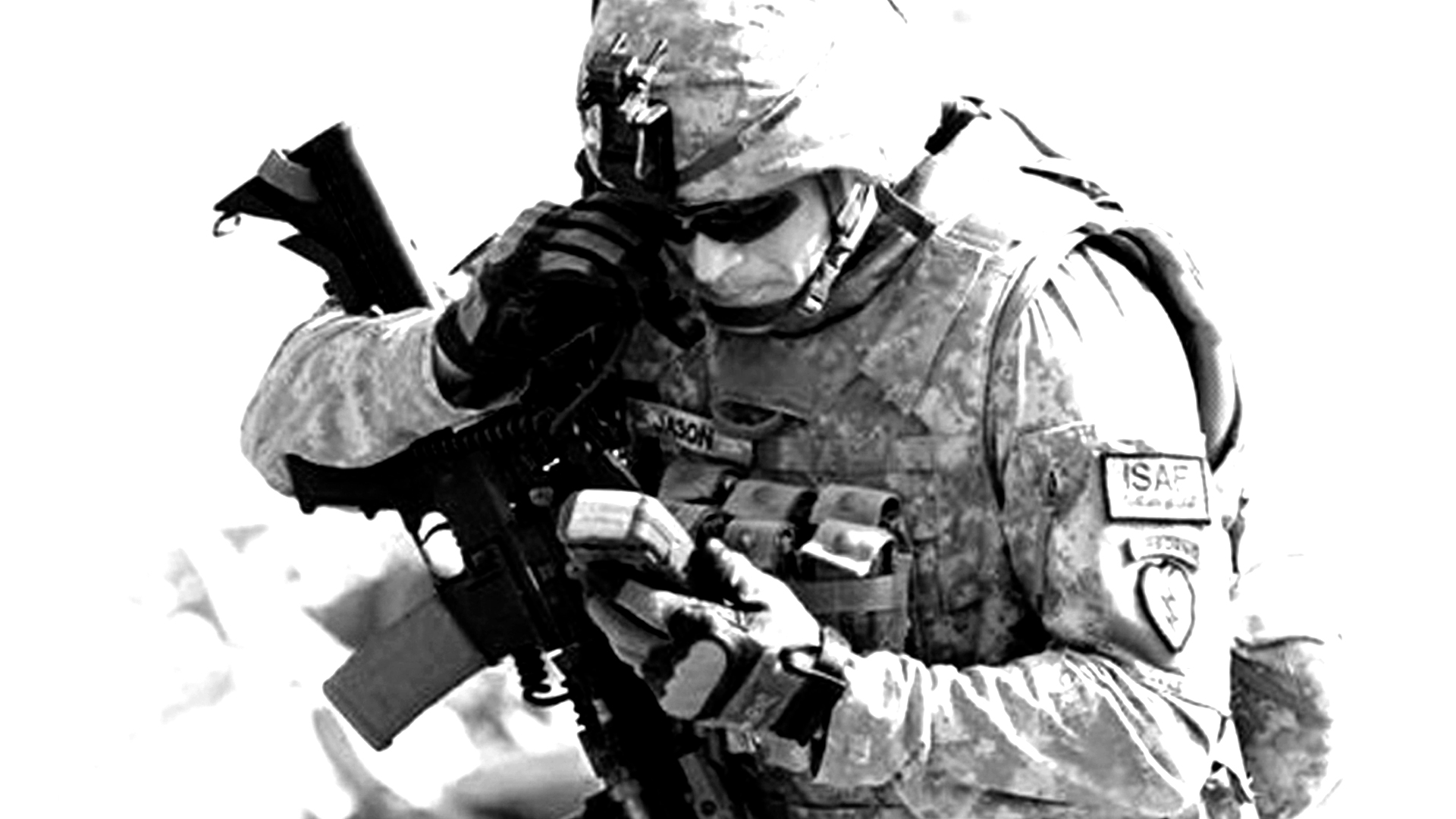 soldier in field looking at his DAGR