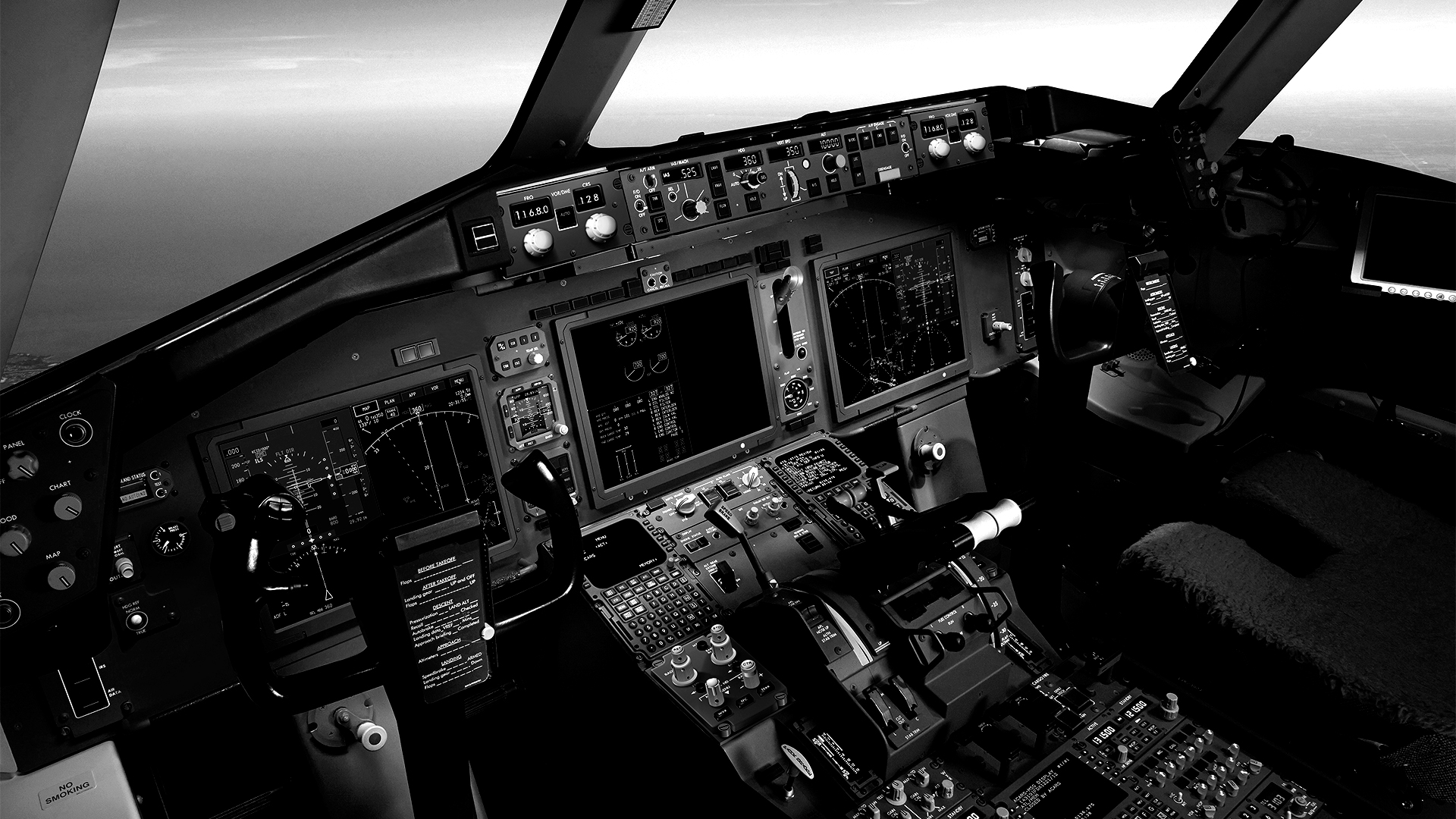 767 Large Display System Pilot angle
