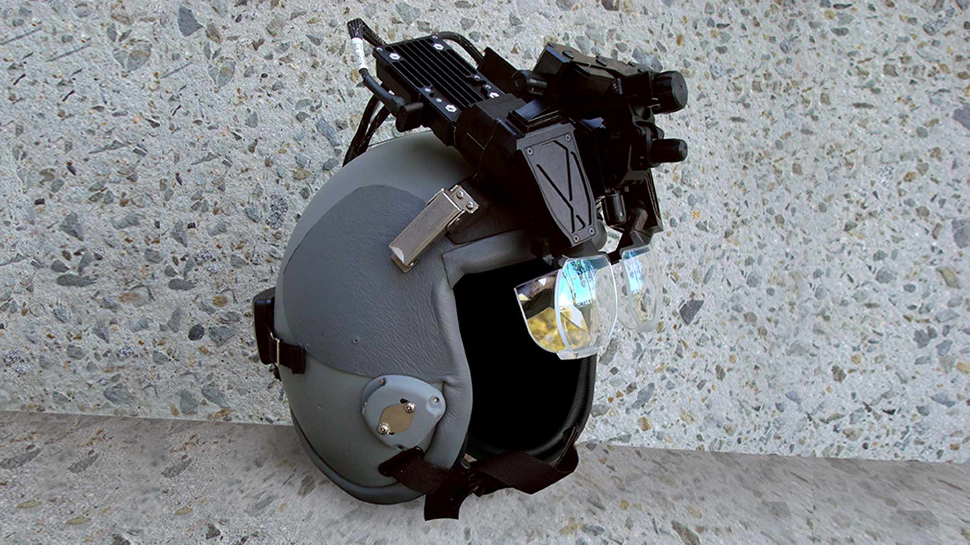 Simulation and Training Helmet Mounted Display (HMD)